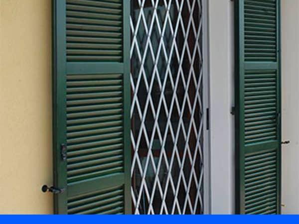 Falegnameria-artigianale-per-fornitura-inferriate-Cesena